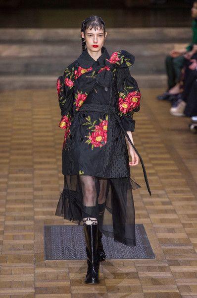 Simone Rocha at London Fashion Week Spring 2017 - Runway Photos