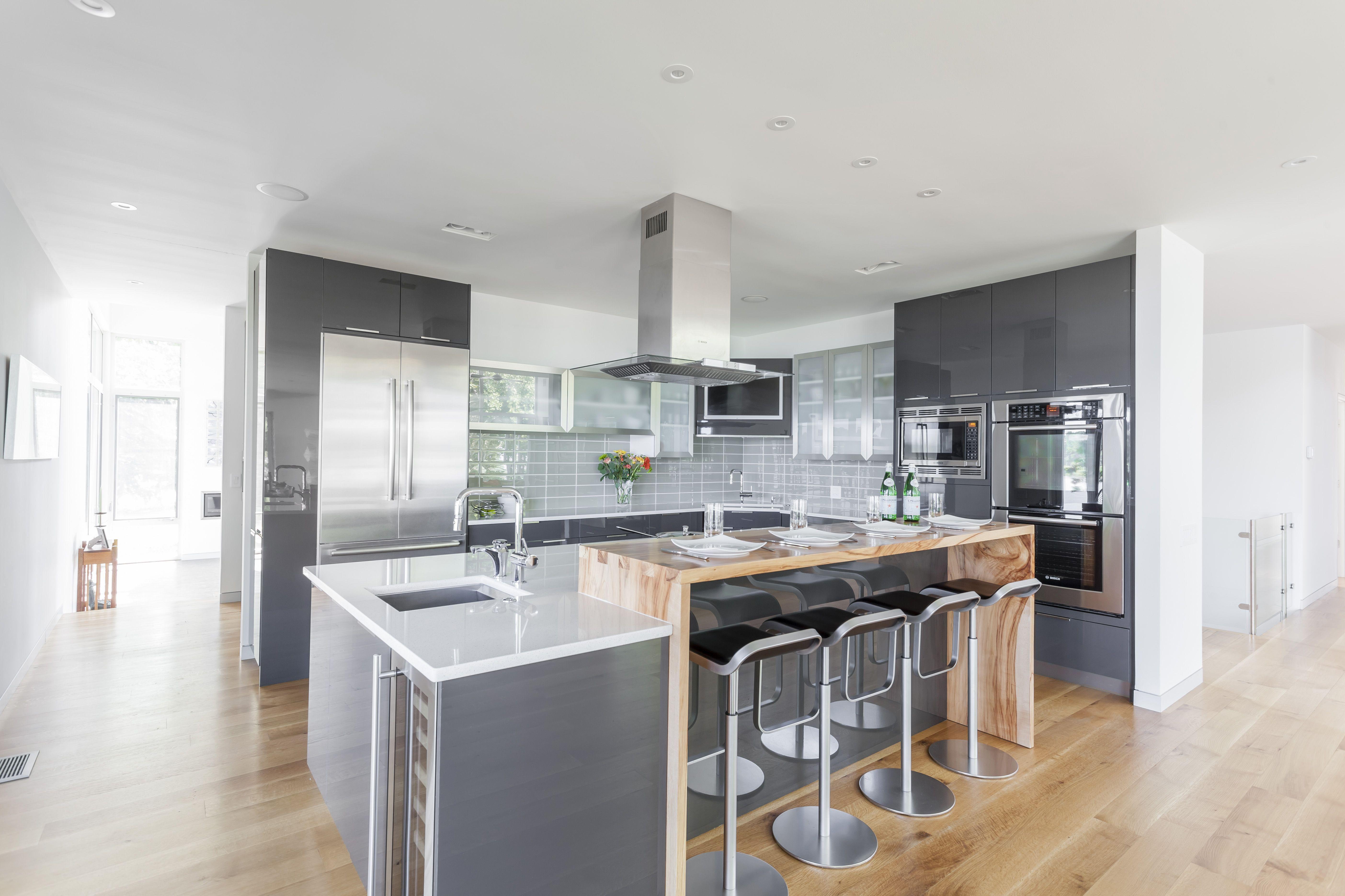 Elmwood Cabinetry: White Diamond Gloss | Kitchens: Glamorous Luxe ...