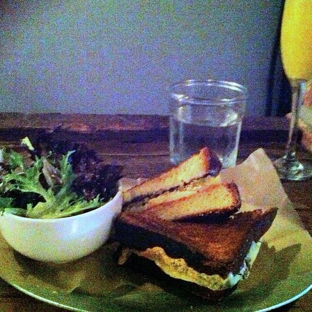 "@7aimeeup's photo: ""Yummy lunch! Gouda grilled cheese and agua de Astoria #queenskickshaw"""