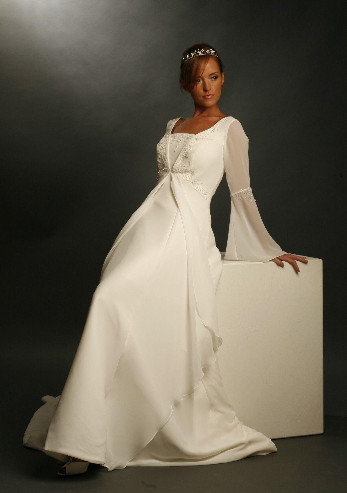 Celtic wedding dresses celtic style long sleeved wedding dress