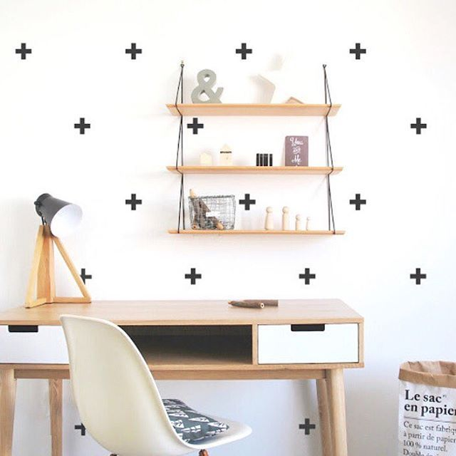 We love DIY decor projects, can you tell?These Pöm wall stickers are chic + clean and so easy to apply! They will look great on any room in the house, we love this home office inspo! Available for £12 at ninou.co.uk! #wallstickers #monochrome #pomlebonhomme #decor #kidsinteriors #barnrumsinspo #barnrum #homeoffice