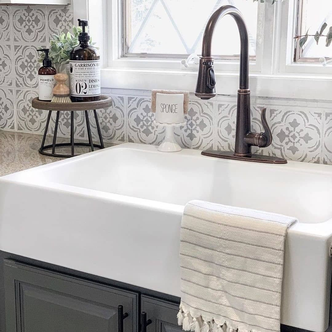 "Farmhouse Homes 🏡 on Instagram: ""What are your thoughts on this GORGEOUS farmhouse sink? 😍 We love this style, and that faucet is cute too! 🙌❤️ TAG a friend who will love…"""