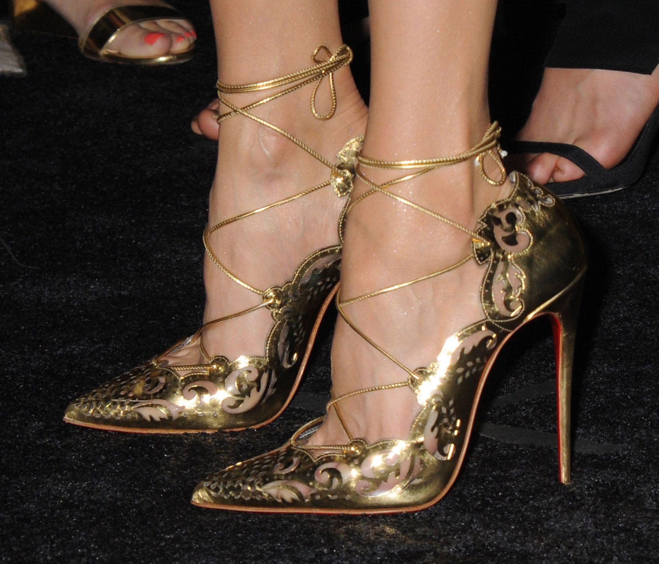 992f200d0bae close-up of nina dobrev s louboutin  impera 120  heels.  shoepon ...