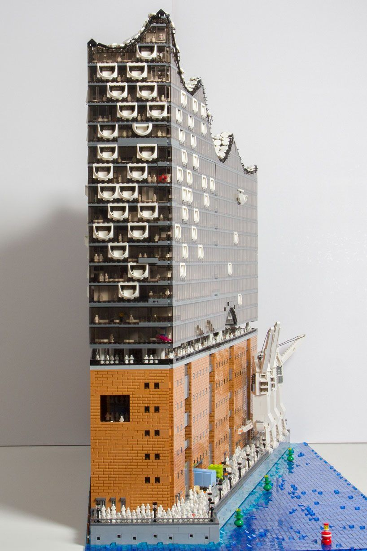 Brickmonkey Recreates The Elbphilharmonie Hamburg Concert Hall Using 20 000 Lego Pieces Lego Architecture Lego Design Lego