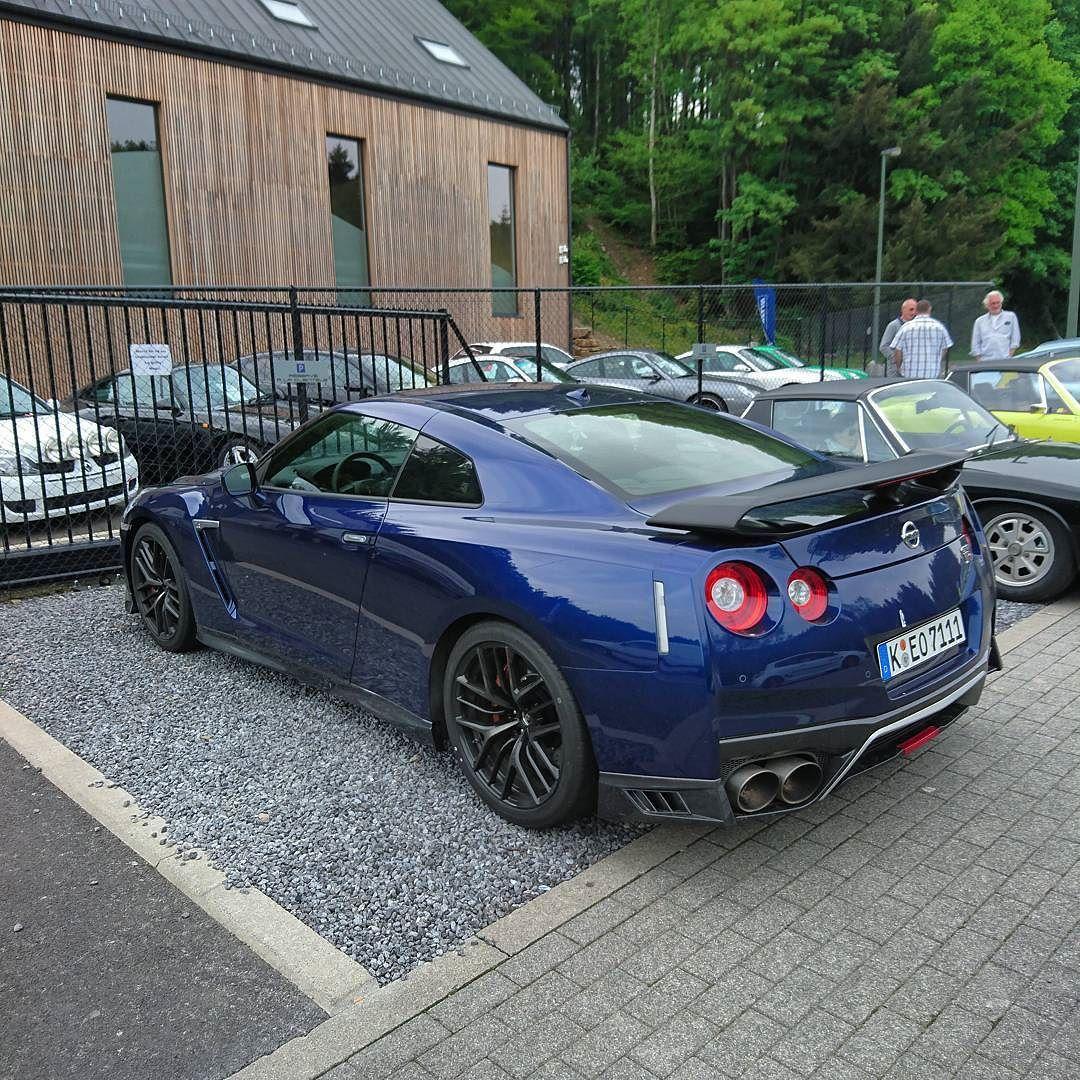 I Explore Ang Maserati At Higit Pa Nissan Gtr