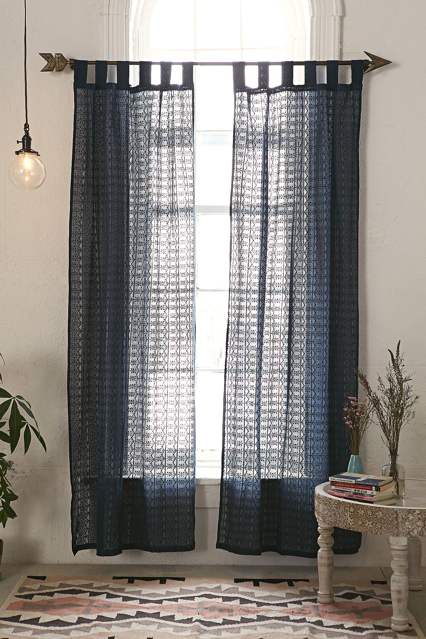 Window treatment ideas for apartment  lace curtain  bedrooms