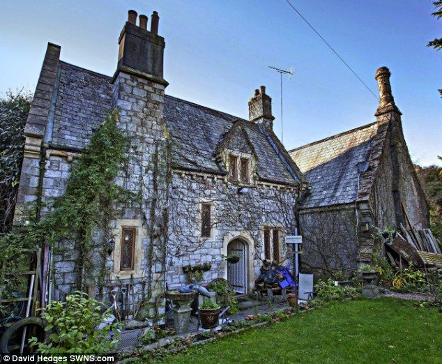 dead gothic the victorian pile in a vast cemetery house ideas