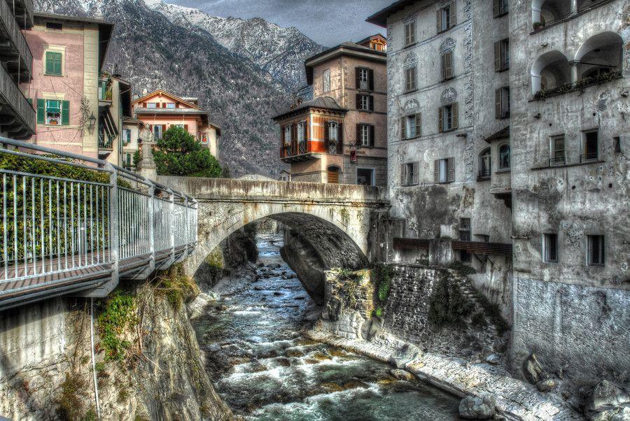 Chiavenna (Italy) #TuscanyAgriturismoGiratola | Paesaggi, Foto