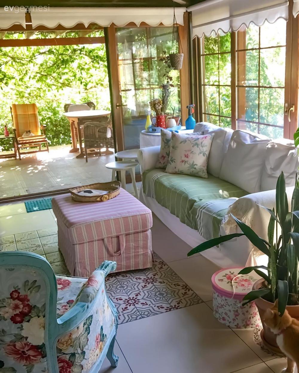 İlham Kaynağı Doğa Olan Shabby Şık Bir İzmir Evi | Ev Gezmesi Oturma Odası