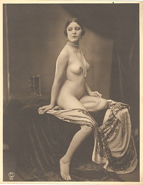 Nude pose vintage, argentina movie black white