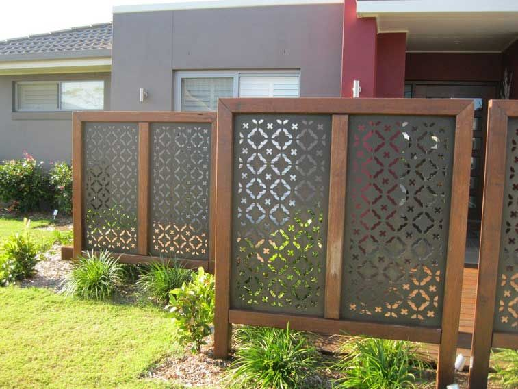 Front yard landscaping decoration ideas with landscape for Privacy screen ideas for backyard