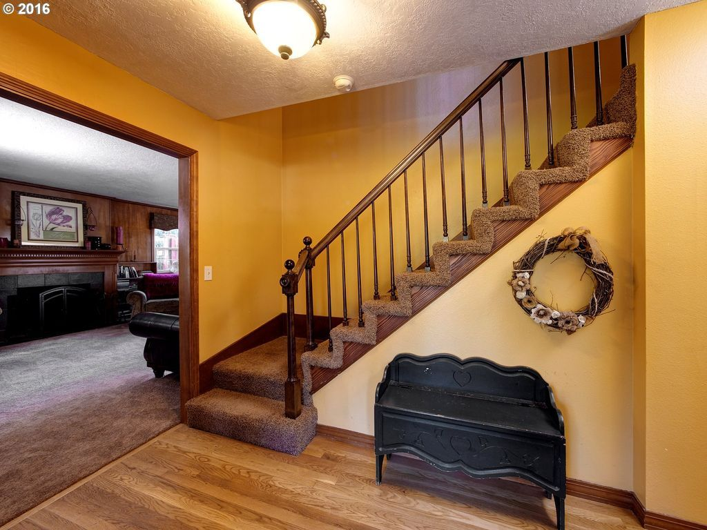 Interior House Colors 2016 Hallway Or Staircase Color Interior House Colors Oregon City