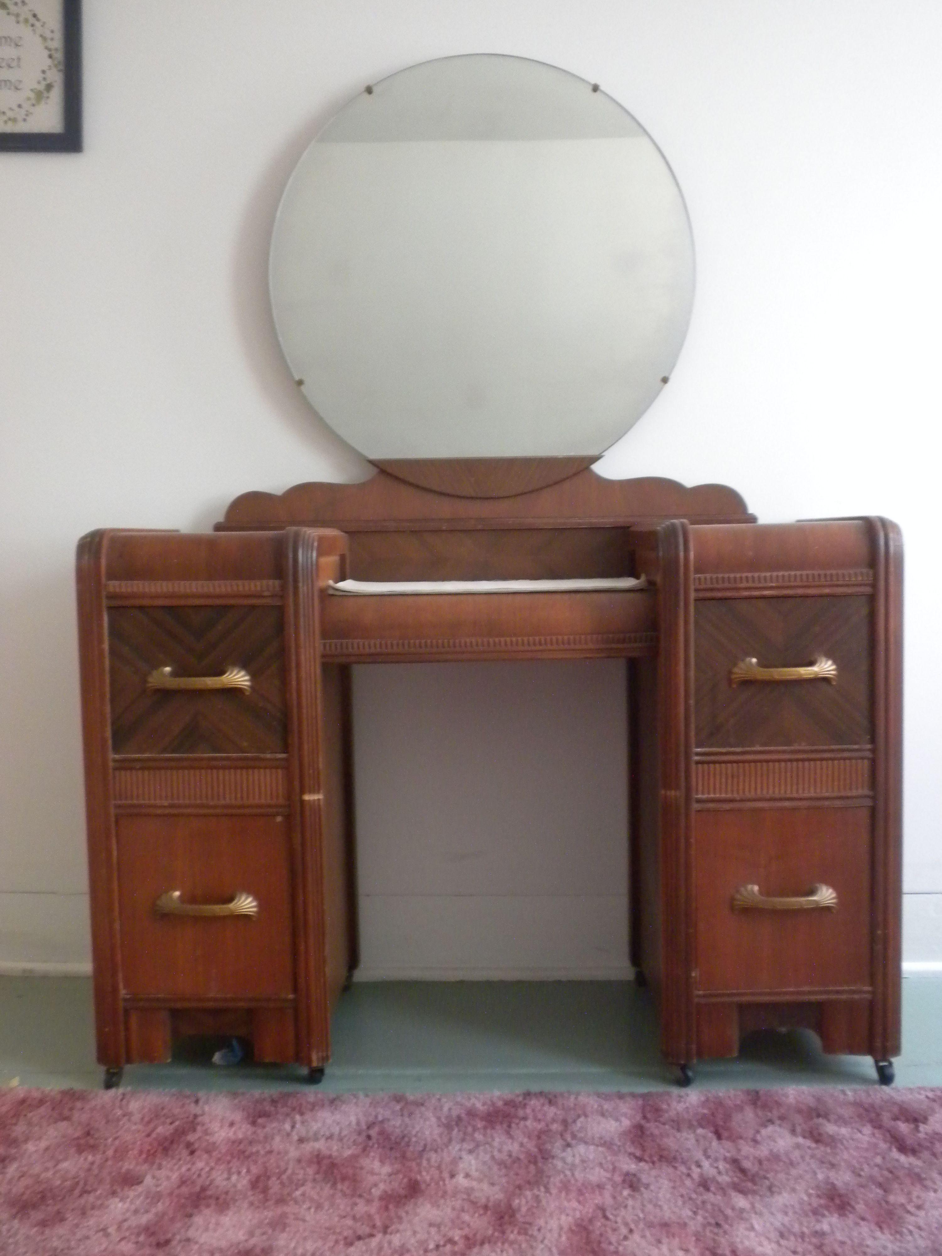 1930s Bedroom Furniture : 1930s, bedroom, furniture, Furniture, Styles, Waterfall, Style, Bedroom, Vanity, Furniture,