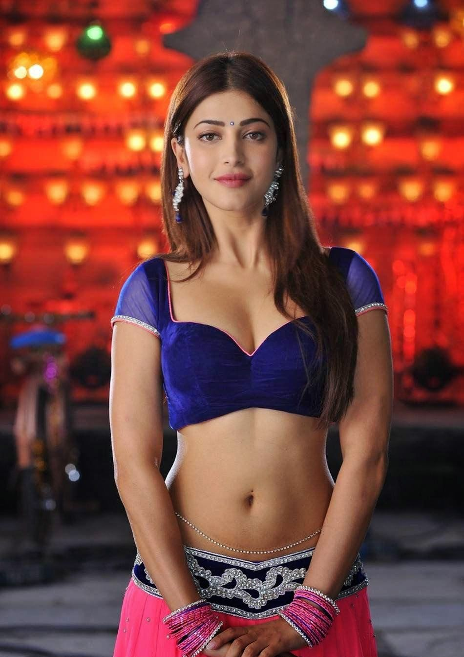 A BIG Happy Smile for Shruti Haasan for
