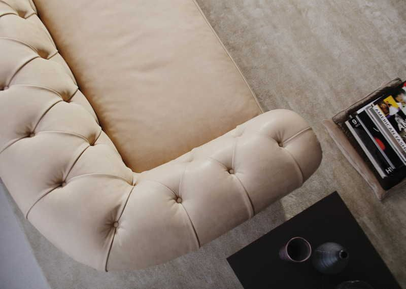 Boston Chesterfield Sofa Detail Chesterfield Sofa Chesterfield Upholstered Furniture