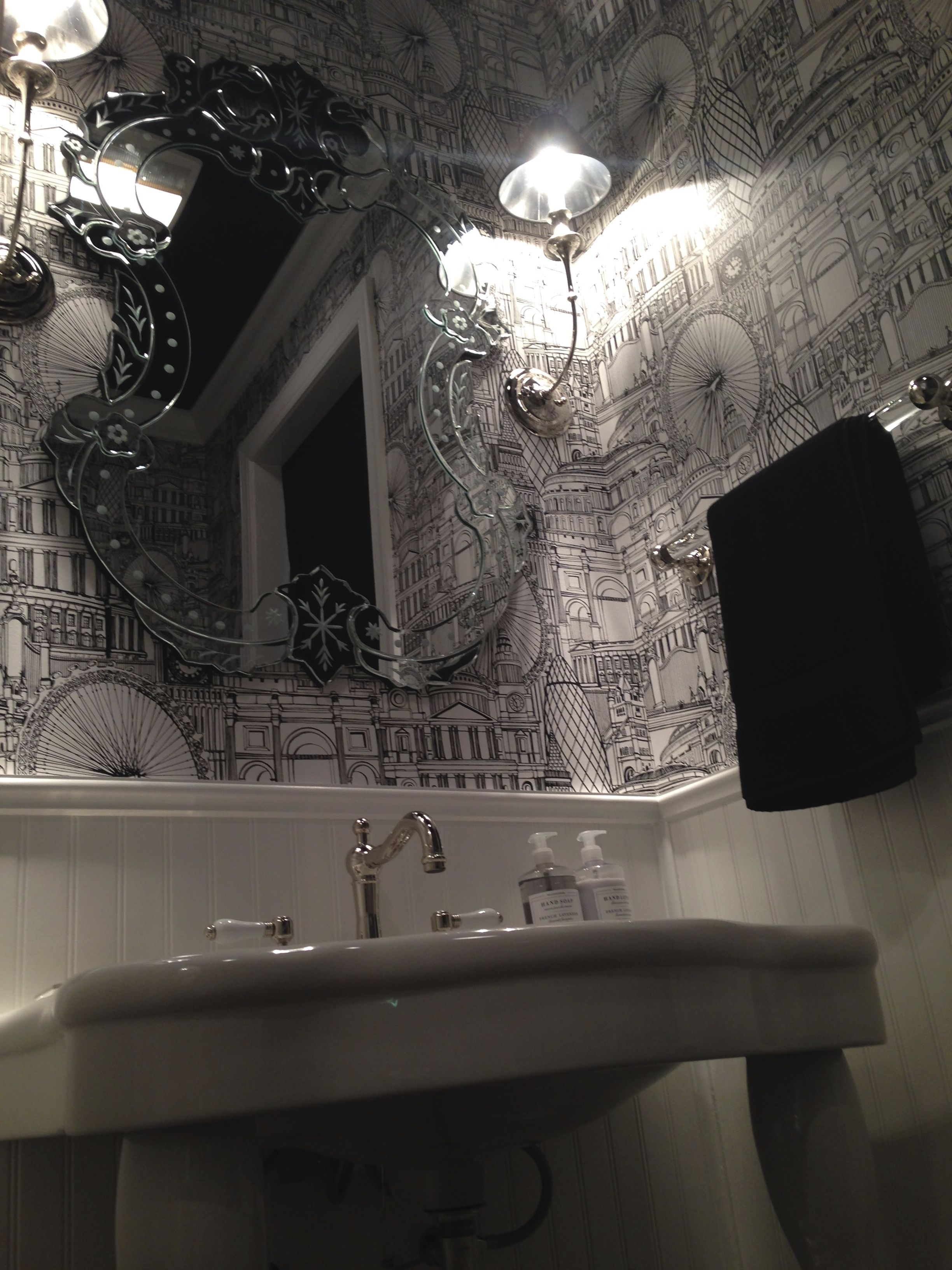 Beautiful Home Age Ropriate Black And White Powder Room