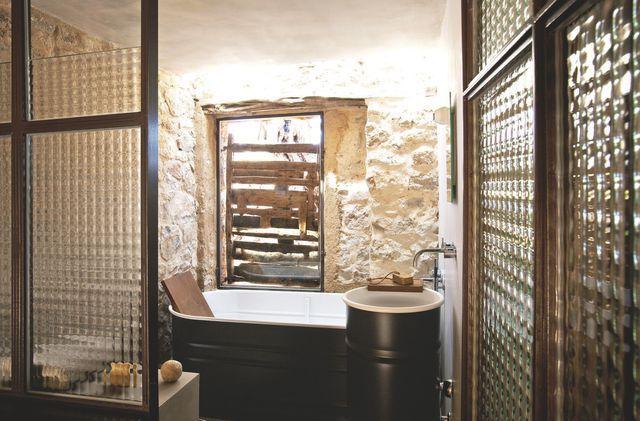 Maison en pierre rénovée en Espagne