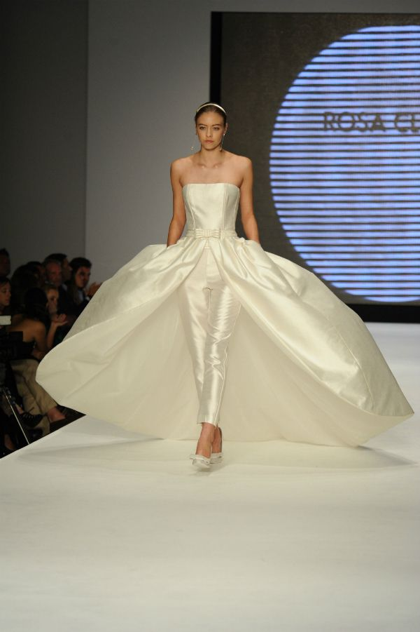 bd58d4551b ... Collection Miami Fashion show. Vestidos de novia Rosa Clará 2014  bodas   vestidos