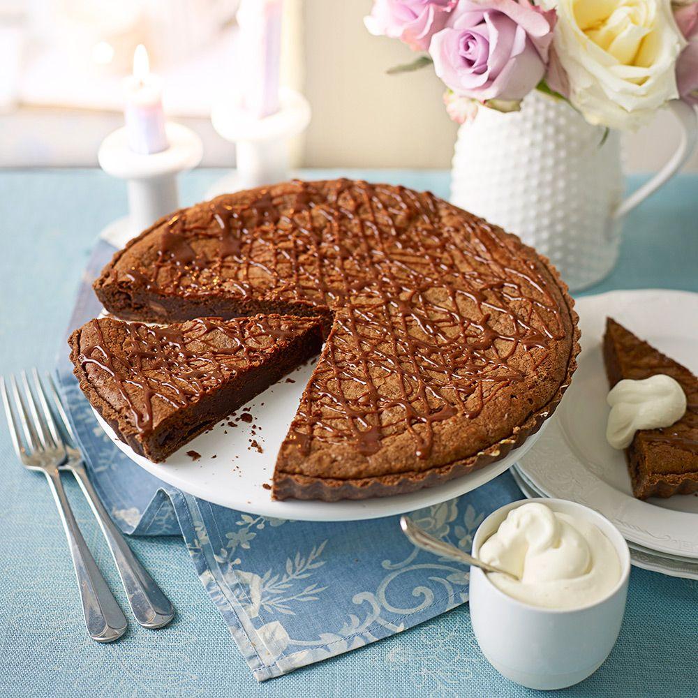 chokladtryffeltårta med mandelbotten