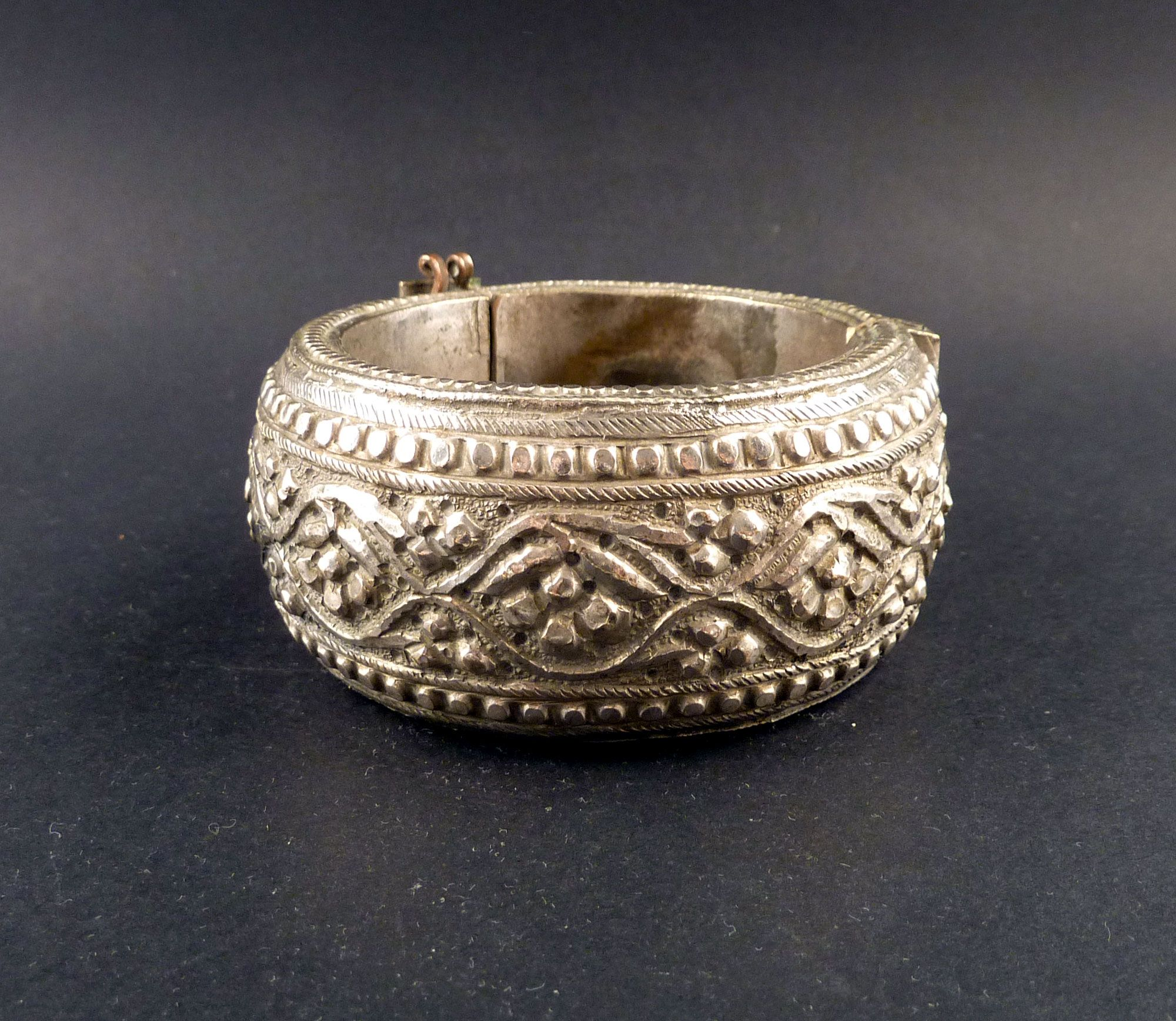 vintage img anteeka buy with hinge products silver for indian at bracelet tribal