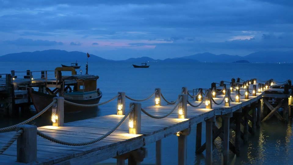 #HOTELS #SWD #GREEN2STAY Six Senses Ninh Van Bay - Vietnam Understated elegance - the jetty at sunset. — at Six Senses Ninh Van Bay - Vietnam.