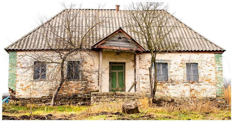 Esta Casa Fue Abandonada hace más de 30 Años, Pero Cuando Usted Anda En, Esto se parece No …