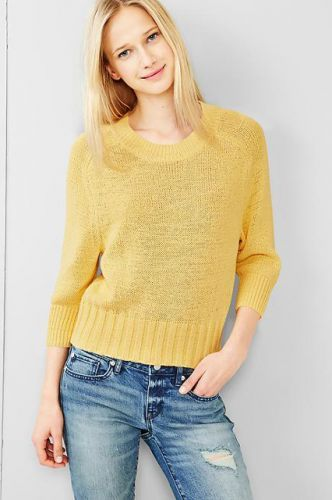 What To Buy At Gap For $100 Or Less - I love a yellow sweater it's a great pick me up on a chilly winter day
