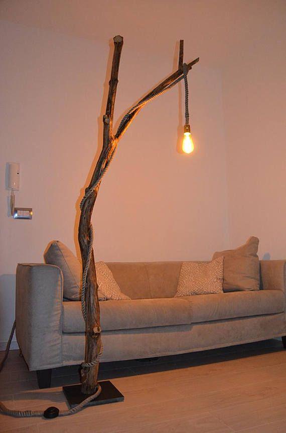 Lampada da terra unica in legno con tronco di albero   Illuminazione ...