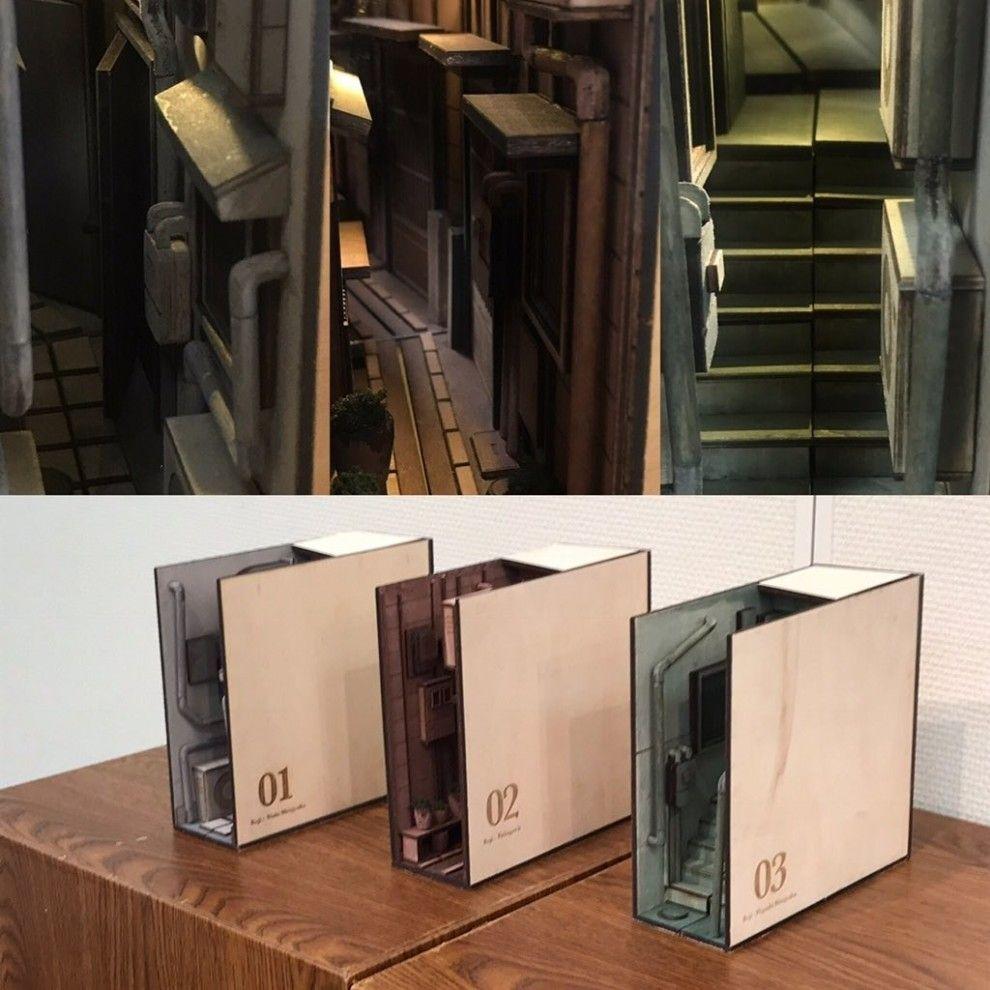 本棚が路地裏に様変わり 不思議なアイテムがネットで話題に