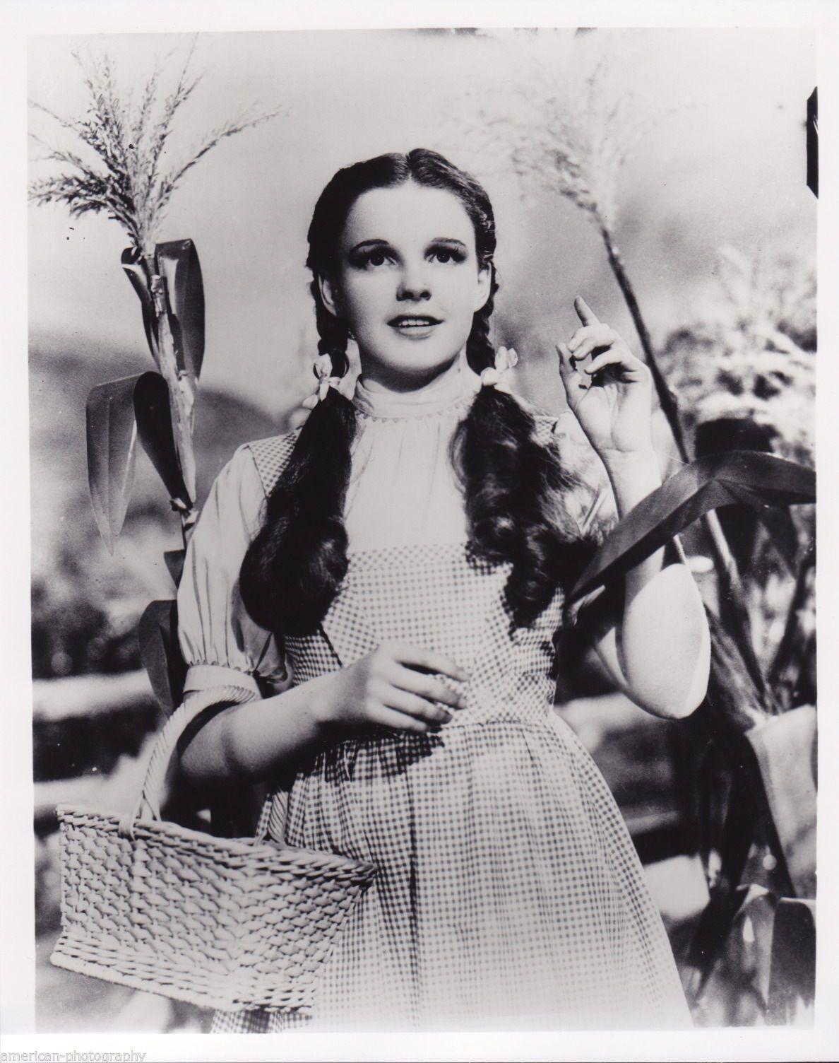 The WIZARD OF OZ - Judy Garland * Metro-Goldwyn-Mayer Studio * L. Frank Baum