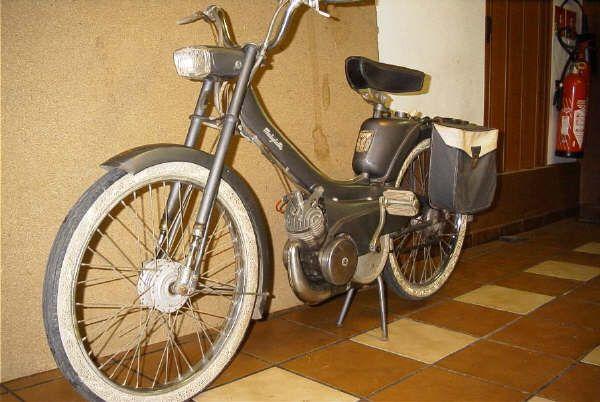 Cyclomoteur moped mobylette av42 1963 bobigny france for Garage peugeot bobigny