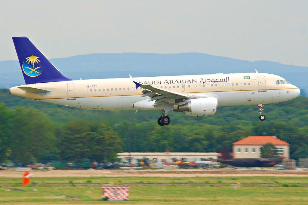 الخطوط السعودية تبدأ شراكتها الاستراتيجية مع شتاء طنطورة بإطلاق أول رحلة إلى العلا Airline Booking Airlines Online Tickets