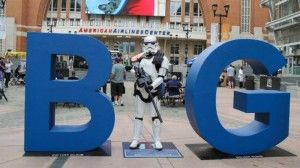 Pairs of bright blue letters, standing 6 feet tall, will be featured on the big screen this week and next. The fiberglass letters B and G – part of Dallas'…