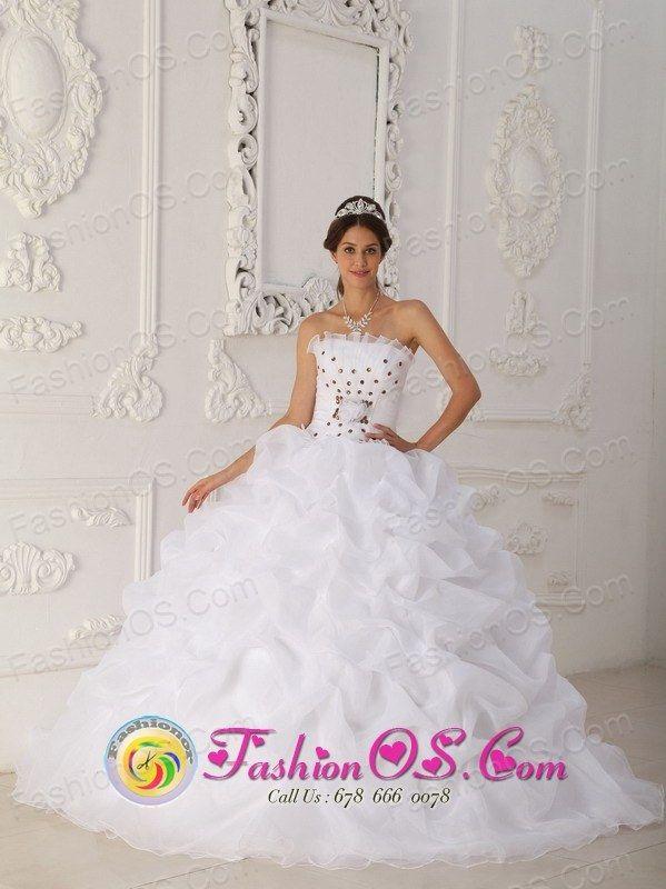 http://www.fashionor.com/Cheap-Quinceanera-Dresses-c-6.html ...