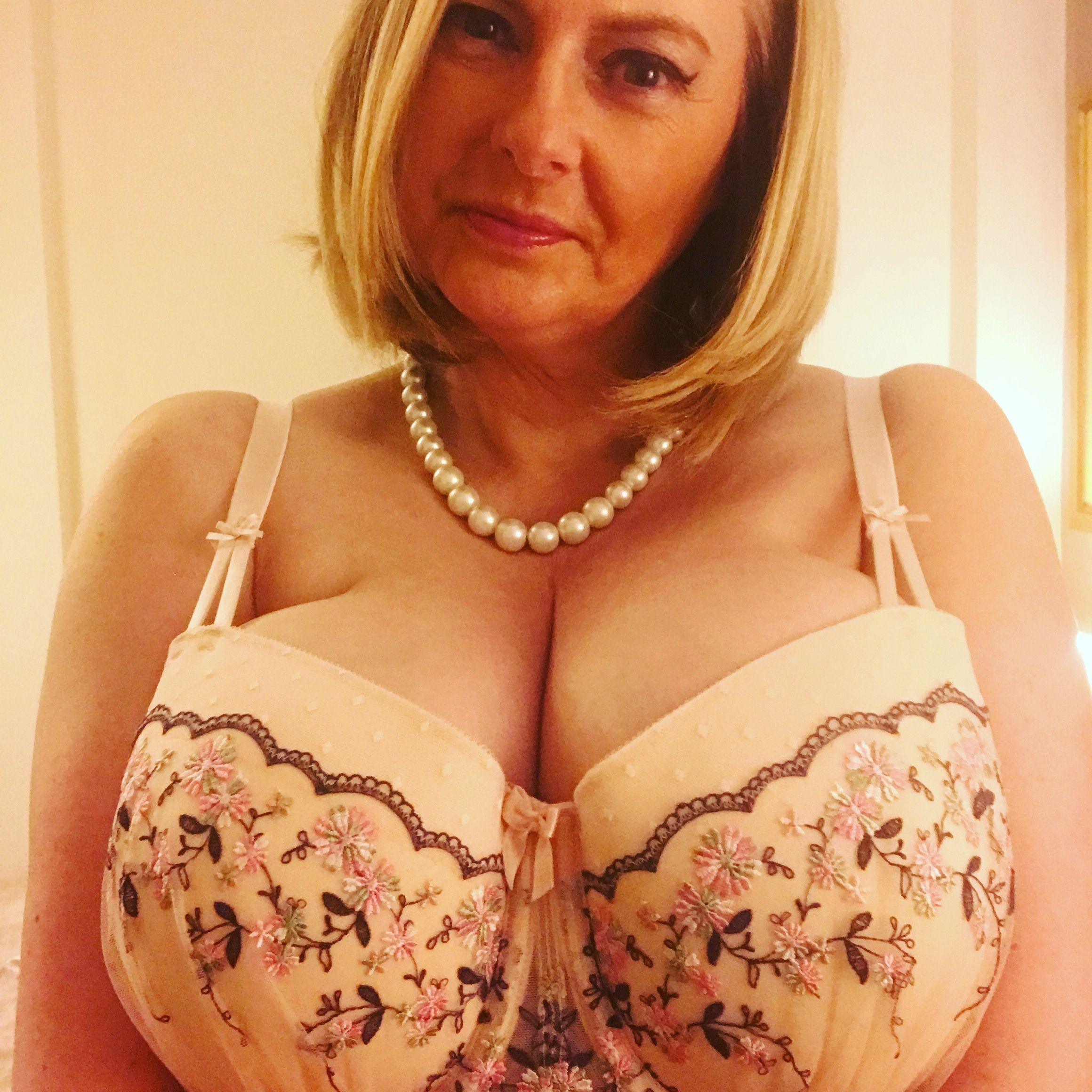 b8e29c59d4 Retro pink lace full 34h bra