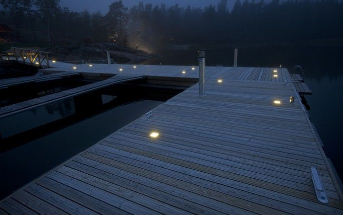 Magical evening lights on the wharf. / Laiturin maaginen iltavalaistus. www.valaistusblogi.fi