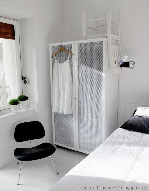 Schlafzimmer mit Sonne I Stuhl auf Schrank I Zeitungshalter I - stuhl für schlafzimmer