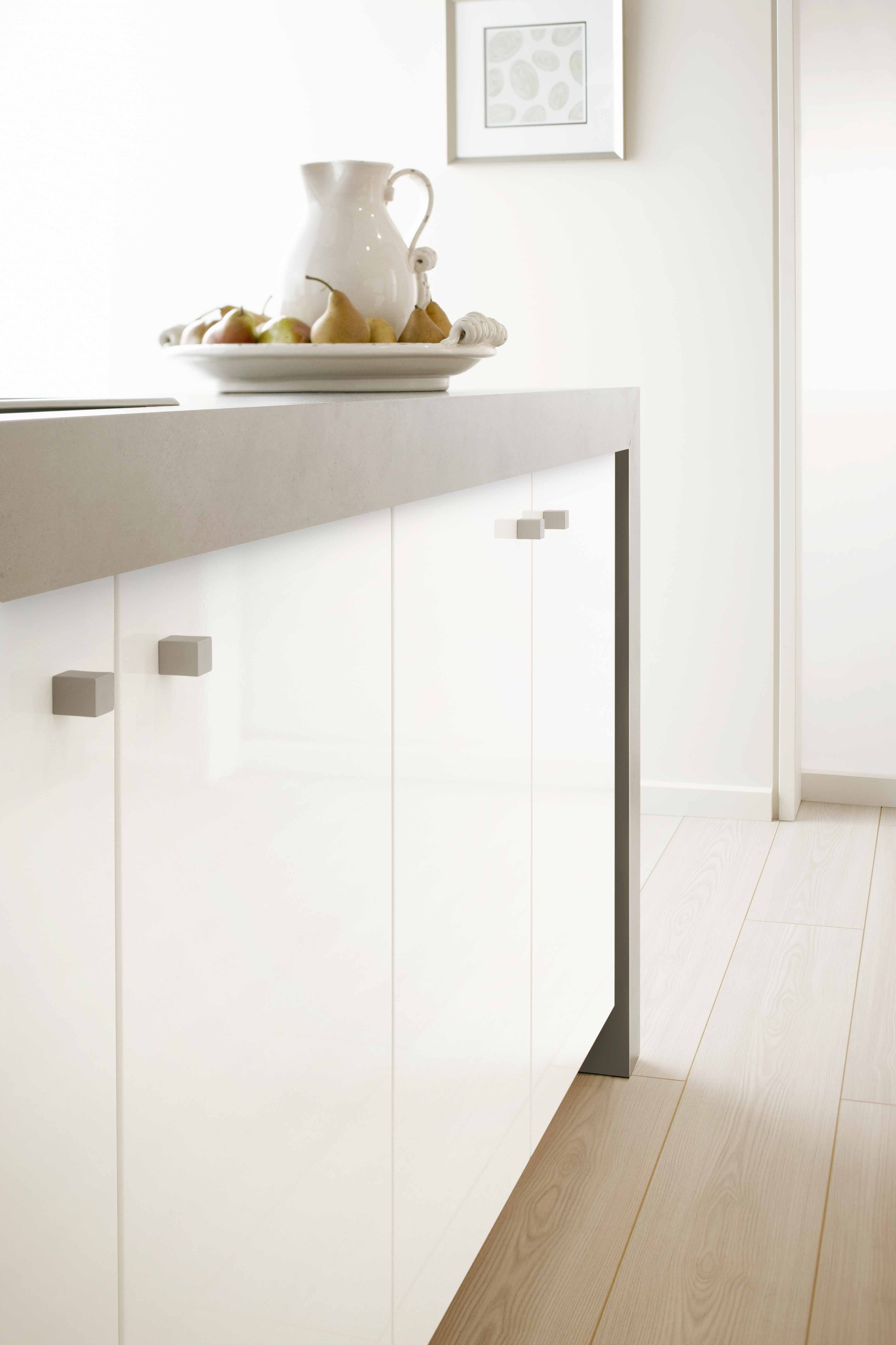 Laundry Formica Vinyl Doors (Bevelled Edge Pro) Warm White, And