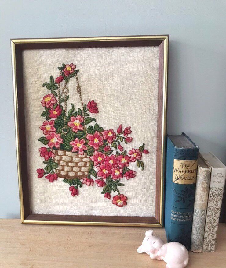 Vintage Framed Embroidery Flower Embroidery Vintage Needle Etsy Framed Embroidery Embroidery Patterns Vintage Embroidery Flowers