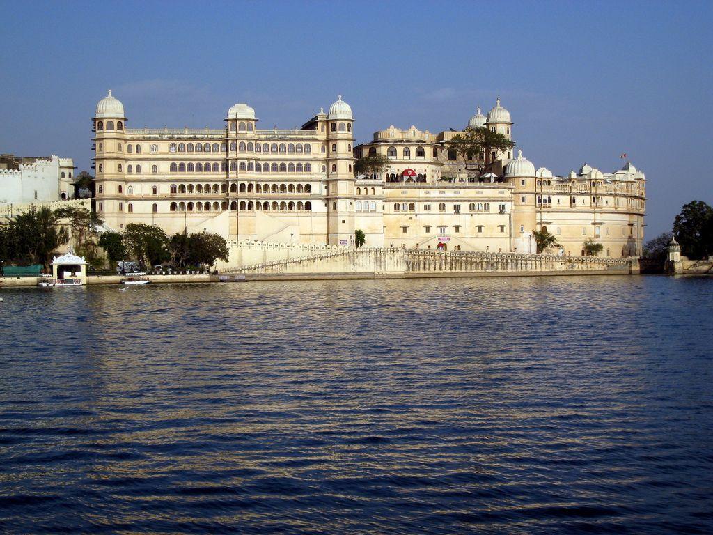 Hotel Taj Lake Palace Udaipur Jpg 1024 768