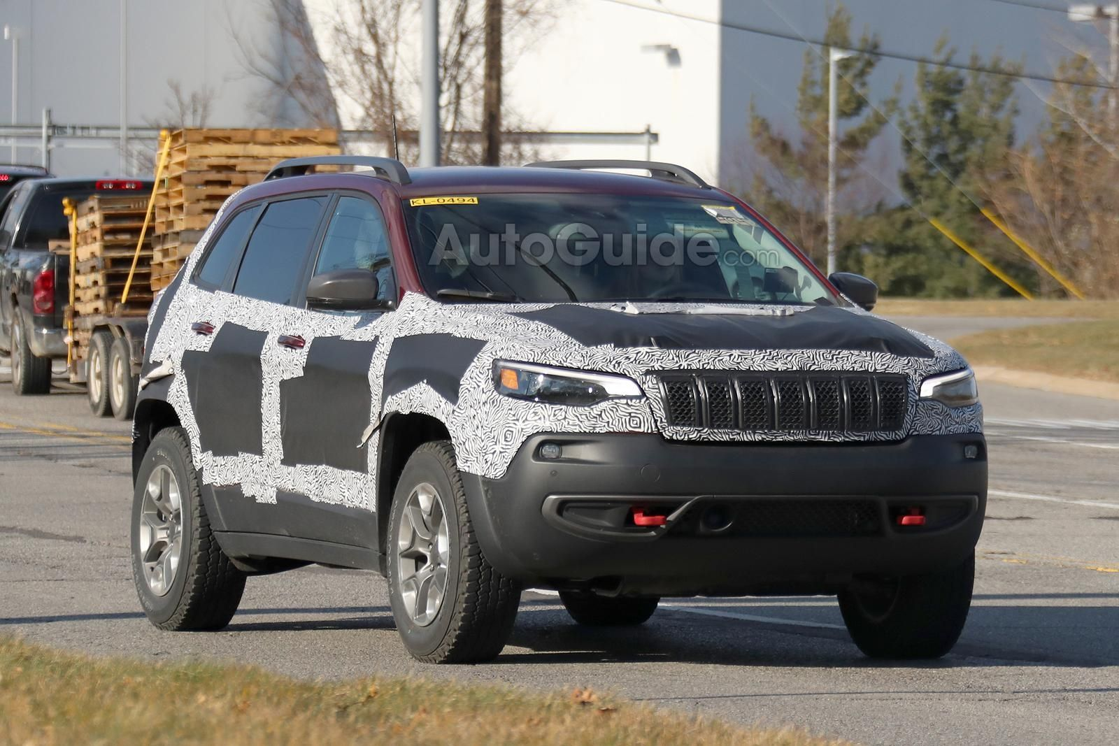 2019 Jeep Cherokee Trailhawk Spied With Updated Fascia Autoguide