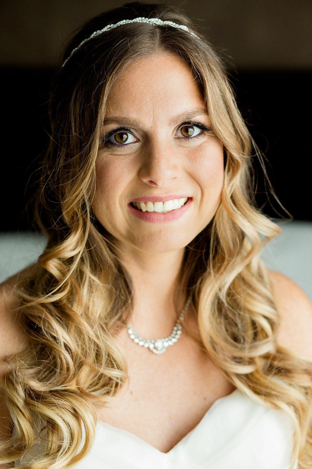 natural wavy bridal hair, natural bridal makeup, makeup ideas for