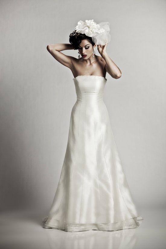 3da6f51e Silke brudekjole fra brudekjoler-weddingdeluxe i stenløse. Brudekjole butik  i Stenløse. Brudekjoler i alle størrelser.