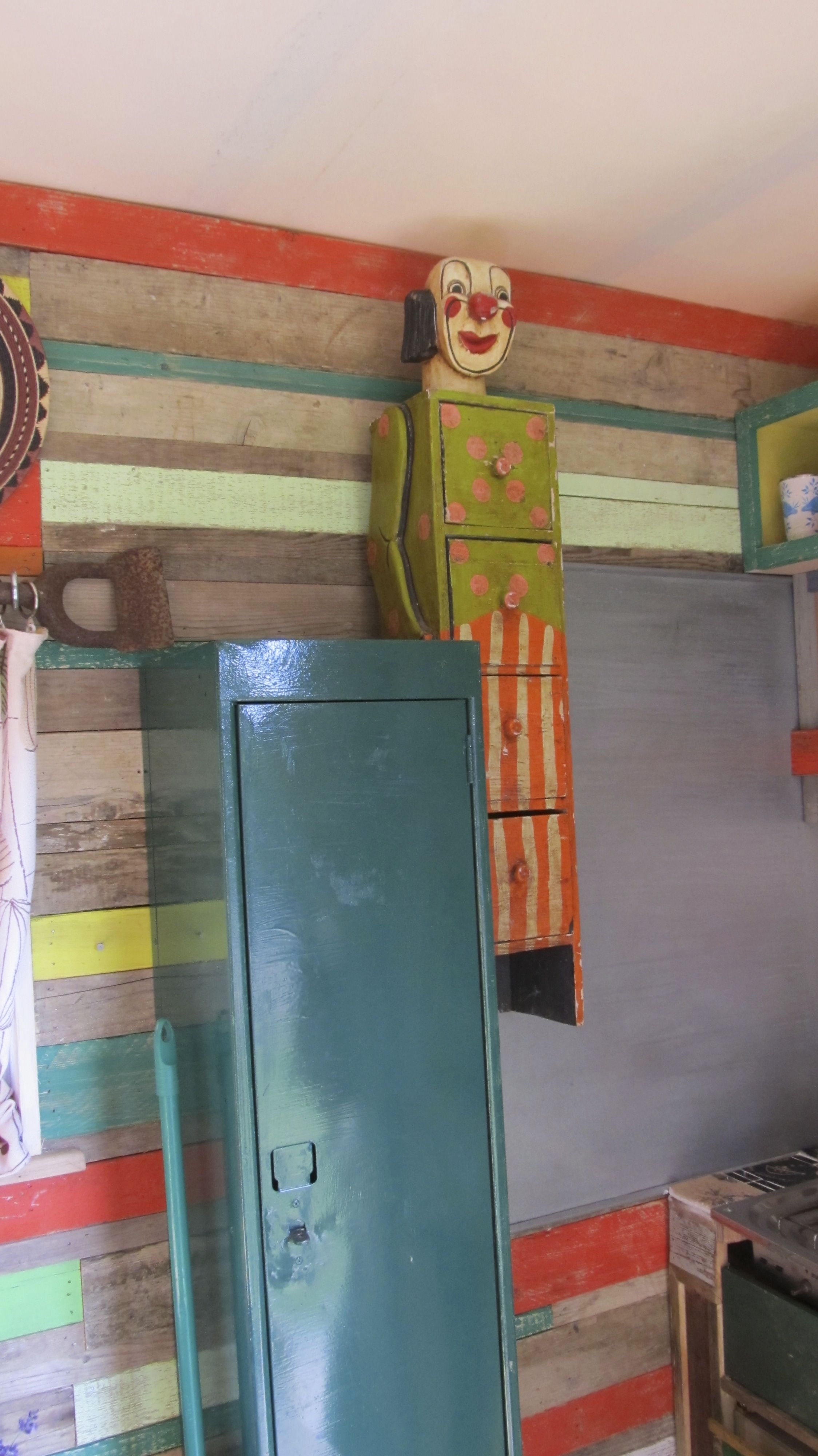 kitchen splash backs made from recycled coal shoot. bright and ...