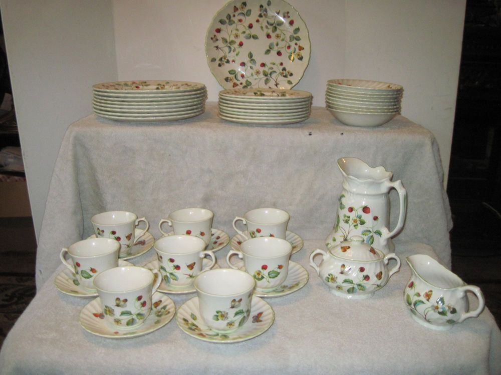 James Kent by Staffordshire made in England Strawberry Dinnerware Old Foley & James Kent by Staffordshire made in England Strawberry Dinnerware ...