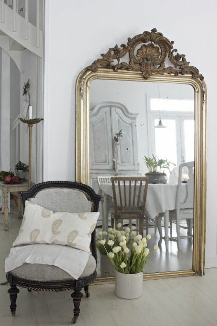 Comment d corer avec le grand miroir ancien id es en photos french farmhouse - Miroir a decorer ...