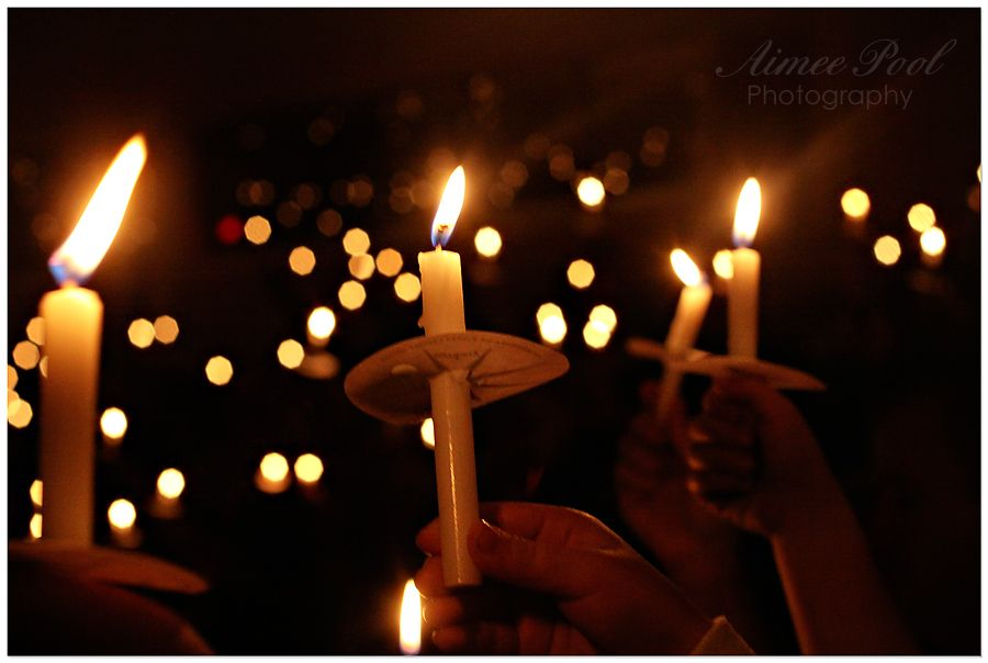 pics of candlelight christmas service | Christmas Eve Candlelight ...