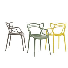 The Kartell Masters Chair By Philippe Starck Special Colours Is A Hybrid Of Three Iconic Chair Designs By Kartell Masters Chair Masters Chair Kartell Chairs
