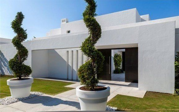 https://www.costadelhome.com/6-bed-villa-for-sale-in-los-monteros-marbella-3883
