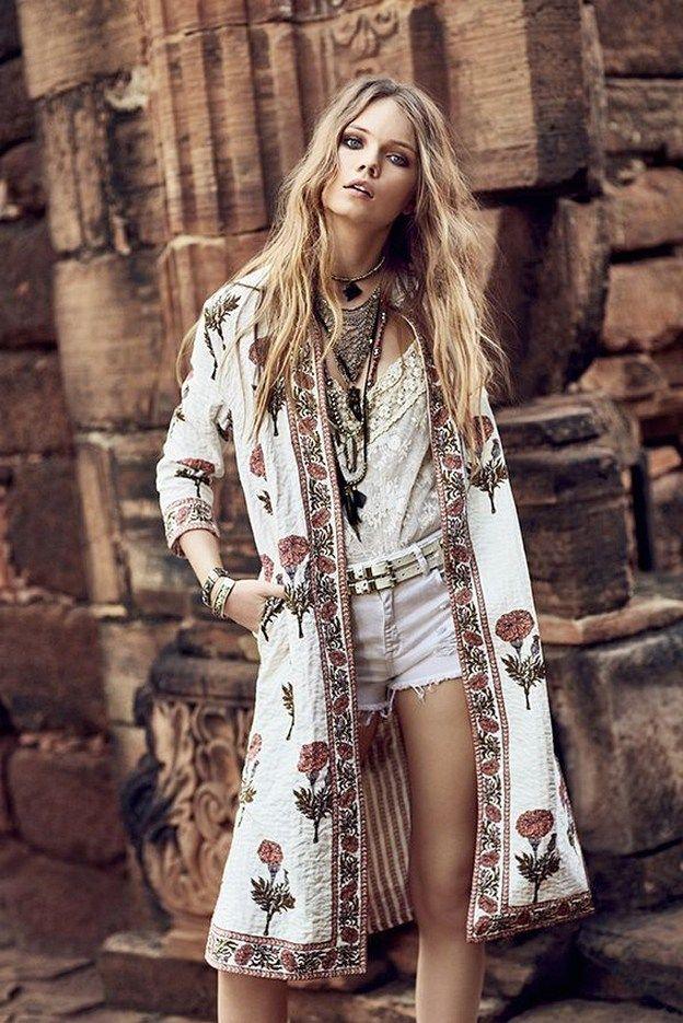 14 Bohemian Style Bedroom Interior Design Ideas: Trending Boho Summer Outfits (14)